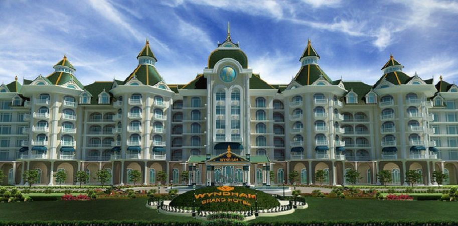 Sammys Grand Palace - Project Images