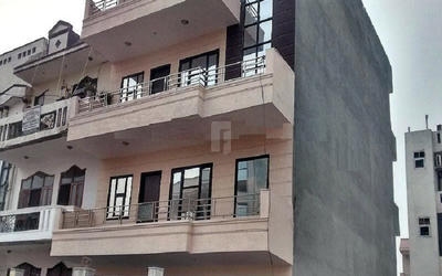 real-luxurious-floors-in-sainik-colony-elevation-photo-1xxz