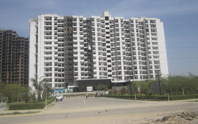 ajnara-homes-121-in-sector-121-elevation-photo-1pxe