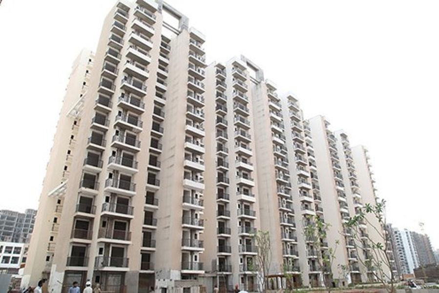 Gaur City 4th Avenue - Project Images